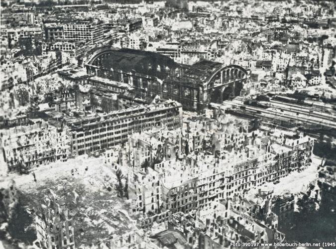 Berlin Hauptbahnhof WWII - bombs