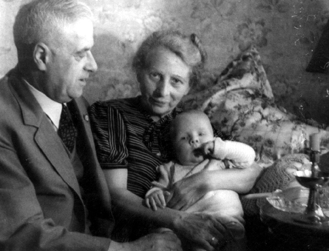 Erwin Haase and Auguste Haase with grandchild